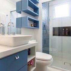 53 Trendy Ideas For Bathroom Shelves Ideas Corner Bathroom Design Luxury, Bathroom Interior, Modern Bathroom, Small Bathroom, Bathroom Windows, Bathroom Shelves, Restroom Design, Bathroom Colors, Bathroom Renovations