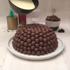 Easy Cake Recipes - New ideas Easy Cake Recipes, Sweet Recipes, Dessert Recipes, Chocolate Cake Recipe Easy, Bolo Chocolate, Food Cakes, Christmas Desserts, Christmas Cakes, Creative Food