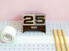 Dateblocks calendar, present & correct