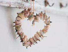 cute idea using dried rosebuds <3   DIY's crafty idea!!