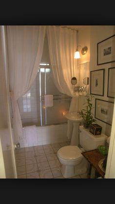 Curtains in bathroom