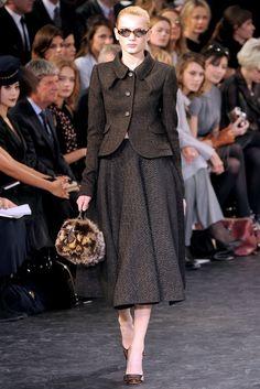 Louis Vuitton Fall 2010 Ready-to-Wear Fashion Show - Bregje Heinen