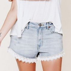 NWT Free People Lace shorts size 31 (runs small) Could also fit a 29-30 Free People Jeans
