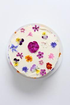 flowerfetti-cake-with-a-natural-funfetti-sponge