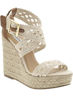 Steve Madden MAGESTEE summery espadrille wedge has soft crocheted straps