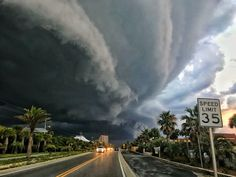 Hurricane Michael in Panama city beach, Florida 10 October 2018 All Nature, Science And Nature, Amazing Nature, Storm Pictures, Beach Pictures, Nature Pictures, Pensacola Beach, Cool Photos, Beautiful Pictures