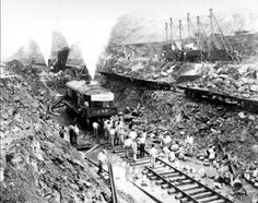 Incredible pictures that show the construction of the Panama Canal Old Pictures, Old Photos, Vintage Photos, Retro Pictures, Vintage Postcards, Panama Canal, Interesting History, World History, History Class