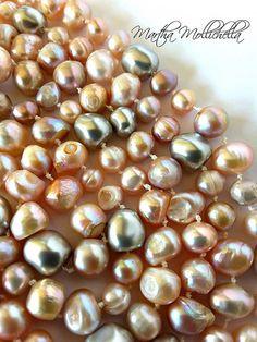 Freshwater pearls swarovski baroque pearls by Martha Mollichella - Lacasinaditobia Lacasinaditobia