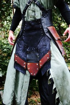 Leather War Kilt Armor by Epic-Leather on DeviantArt Leather Dye, Leather Mask, Larp Armor, Viking Reenactment, Female Armor, Warrior Girl, Fantasy Armor, Medieval Clothing, Thighs