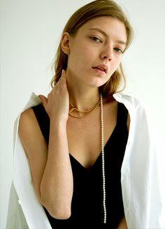 Material: brass, 18k gold plate, swarovski pearl / Size: length 38cm, peatl length 40cm