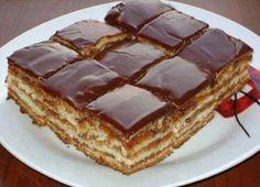 Este una dintre CELE MAI BUNE prăjituri și noi am pus mâna pe vechea rețetă… Romanian Desserts, Romanian Food, Sweets Recipes, Just Desserts, Cake Recipes, Food Cakes, Cupcake Cakes, Macedonian Food, Kolaci I Torte