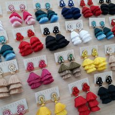 Difícil decidirse por solo uno #moda #accesorios #collar #maxicollar #aretes #zarcillos #soutache #design #diseño #talentovenezolano #designervenezuela #diseñovenezolano #glam #musthave #hechoenvenezuela #handmade #outfit