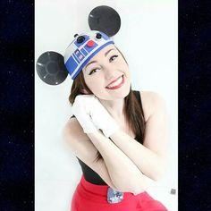 JUST 7 MORE DAYS! R2-Mickey! : @dezcreepcore #Disney #StarWars #Cosplay #MickeyMouse #R2D2 #12DaysOfStarWars #Disneyland by meganxgolden