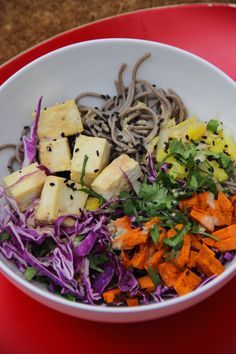lunch bowl: soba noodle and roasted sweet potato salad | aneelee.com   #vegan #salad #healthy