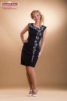 kalocsai himzett menyasszonyi ruha | 410 örömanya ruha:ó-kalocsai himzett,egyenes vonalú - Menyasszonyi ...