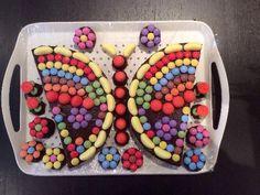 Photo de recette Gâteau d'anniversaire en forme de papillon - Marmiton