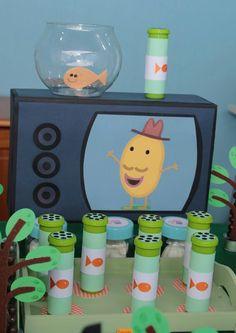 A peixinha goldie  O senhor batata Invitacion Peppa Pig, Cumple Peppa Pig, Pig Birthday, 4th Birthday Parties, Ballerina Birthday, Birthday Ideas, Cumple George Pig, George Pig Party, Impreza