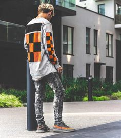 8 Stupefying Tips: Urban Fashion Streetwear Bomber Jackets urban wear hip hop dance outfits.Urban Fashion For Men All Black urban wear fashion adidas originals. Urban Apparel, Streetwear Mode, Streetwear Fashion, Men Looks, Men's Watches, Men Street, Street Wear, Style Japonais, Urban Fashion Trends