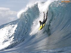 Jeff Hubbard bodyboarding | 2006/2007 World Bodyboarder Champion Jeff Hubbard at Pipeline