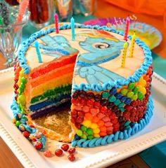 Omg- i want a my little pony birthday party! (for Cat of course!) My Little Pony Birthday Party - Rainbow Dash cake! Where was this cake when I was Pearl Liu driscoll (use Skittles for the rainbow on the sides :)) Rainbow Dash Birthday, Rainbow Dash Party, My Little Pony Birthday Party, 6th Birthday Parties, 4th Birthday, Birthday Ideas, Cake Rainbow, Birthday Cakes, Cumple My Little Pony