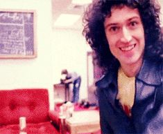 Read Gif, Gifs, Gifs ♥ from the story Fotos De Brian May ✨🎸🎸 by Killer_Walk_Sandwich (Brian May's Wife 💞💞💞) with 867 reads. Queen Band, Discografia Queen, I Am A Queen, Save The Queen, Rock Queen, Queen Mercury, Queen Freddie Mercury, John Deacon, Queen Brian May