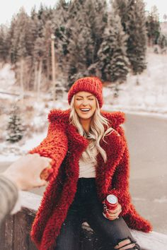 Happily Ever Allen. Chase Allen. Brit Allen. Womens fashion. Fashion. Style. Blogger style. Fall fashion. Winter fashion. Blonde hair. platinum hair. Casual Style. Cute outfit. Currently trending. Affordable outfits. Affordable fashion. Trending for women