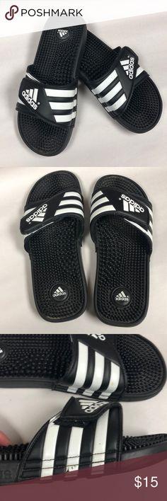 d1aa7eff490 20 beste afbeeldingen van adidas flip flops - Adidas flip flops ...
