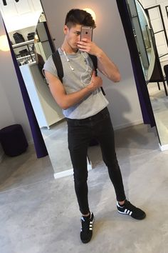 Boys Trending Clothe - December 01 2018 at Super Skinny Jeans, Skinny Pants, Outfits For Teens, Boy Outfits, Teenage Boy Fashion, Beatiful People, Spray On Jeans, Outfits Hombre, Boy Hairstyles