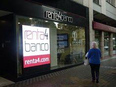 Renta4 renueva su digital signage con pantallas #led de ROTULOSELECTRONICOS.NET