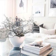 This is a designhome, one of my favorites 🙌🏼🙌🏼😍😍😱 Check it out😍😍 Cred: @mrslilli  #instahome #instadesign #moderndesign #modernhome #passion4interior #scandinaviandesign #scandinavianhome #asafotoninspo #interiorstyling #interiordesign #designinterior #luxury #minimalistic #nordicinspiration #finahem #vakrehjem #boligdrøm #dreamhome #interiorwarrior #onlyinterior #roomforinspo #interior4you1 #interior4all #interior123 #interior125 #immyandindi #interior9508 #missonihome