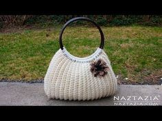 Crochet Savvy Handbag Tote by Donna Wolfe from Naztazia for Crochet Savvy Magazine