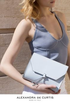 Are you looking for a designer leather handbag? Click through to check out this bag, handmade in Italy with smooth Italian Leather Handbags, Designer Leather Handbags, Italian Street, Blue Handbags, How To Make Handbags, Leather Design, Italian Fashion, Blue Fashion, Ballet Flats
