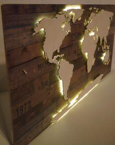 Beleuchtete Weltkarte aus Holz & Maß (Vintage LED)