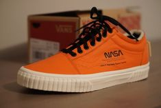 1ccb391a37 Vans x NASA Old Skool Space Voyager Firecracker Orange New In Box 10.5  League Of Legends