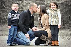 Family of 4 | Family Portrait Pose Ideas