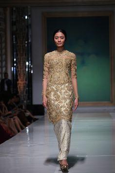 """Didiet Maulana: """"Saya Hadir Untuk Mewujudkan Mimpi Para Brides-To-Be"""" - Kebaya Lace, Kebaya Brokat, Kebaya Dress, Batik Kebaya, Indonesian Kebaya, Indonesian Wedding, Javanese Wedding, Batik Fashion, Ethnic Fashion"""
