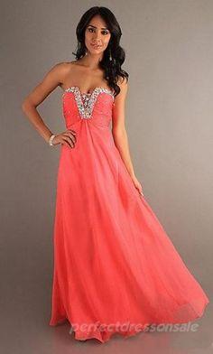 Very pretty prom dress!