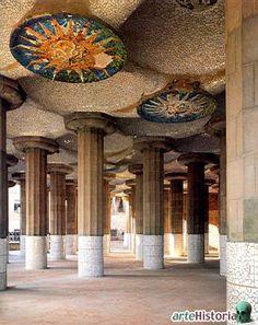 Parque Guell, Barcelona, El Salon de las Cien Columnas