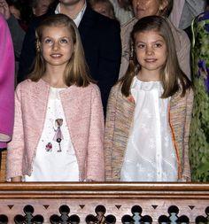Princess Leonor Photos - Princess Leonor of Spain and Princess Sofia of Spain attend the Easter Mass at the Cathedral of Palma de Mallorca on March 27, 2016 in Palma de Mallorca, Spain. - Easter Mass in Palma de Mallorca