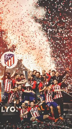 Gabi and Fernando Torres of Atletico Madrid lift the trophy with their team-mates at the end of the UEFA Europa League Final between Olympique de Marseille and Club Atletico de Madrid at Stade de. Get premium, high resolution news photos at Getty Images Football Love, Football Is Life, Football Photos, Football Players, Real Madrid Wallpapers, At Madrid, Antoine Griezmann, Football Wallpaper, Play Soccer