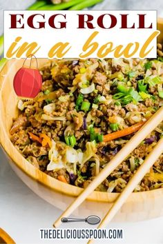 Egg Roll in a Bowl is a simple, keto Asian-inspired dinner ready in just 20 minutes! It takes all the ingredients of your favourite egg roll and turns them into a filling, low-carb lunch or dinner. Perfect for meal prep! This Keto Egg Roll in a Bowl is the quick and healthy dinner of my dreams. It has all of the things I love about ordering Asian takeout, without leaving my house and it's ready in less time than delivery would take. | The Delicious Spoon @thedeliciousspoon… Healthy Living Recipes, Clean Eating Recipes, Low Carb Recipes, Healthy Food, Vegetarian Recipes, Best Dinner Recipes, Whole Food Recipes, Delicious Recipes, Yummy Food