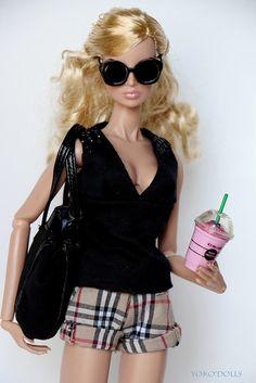 White girl I can't even Barbie lol Barbie Style, Barbie Life, Barbie World, Barbie Dress, Barbie Clothes, Barbies Dolls, Fashion Royalty Dolls, Fashion Dolls, Poppy Parker