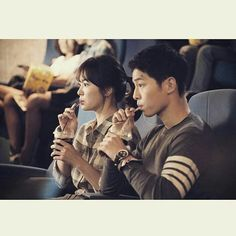 Song Joong Ki & Song Hye Kyo in Descendants of The Sun Ep. 1 😍