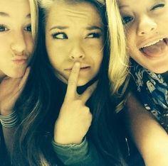 Chloé, Brooke et Paige.