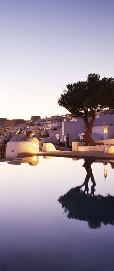 Kirini Suites & Spa, Santorini http://www.mediteranique.com/hotels-greece/santorini/kirini-suites-spa/