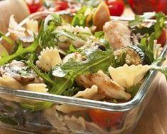 Salade de pâtes au poulet et aux crudités : http://www.fourchette-et-bikini.fr/recettes/recettes-minceur/salade-de-pates-au-poulet-et-aux-crudites.html