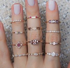 Pink Diamond Jewelry - rare and expensive, how much do they cost? Dainty Jewelry, Simple Jewelry, Cute Jewelry, Jewelry Rings, Jewelry Accessories, Jewelry Design, Bridal Jewelry, Diamond Bracelets, Diamond Jewelry
