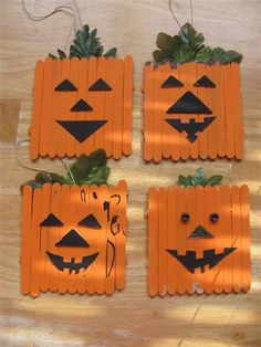 These Halloween Crafts for kids has loads of ideas that you can do at home . Great craft ideas for Halloween class parties! Theme Halloween, Halloween Crafts For Kids, Holidays Halloween, Halloween Pumpkins, Holiday Crafts, Halloween Decorations, Pumpkin Decorations, Vintage Halloween, Cheap Fall Crafts For Kids