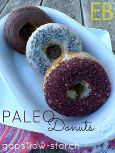 Paleo & Keto Donuts are also perfect for low carb, gluten-free and GAPS diets. Enjoy the tender crumb, topping options and just 10 minutes prep time! Paleo Dessert, Paleo Sweets, Healthy Desserts, Dessert Recipes, Healthy Candy, Paleo Food, Dessert Blog, Donuts Keto, Paleo Donut