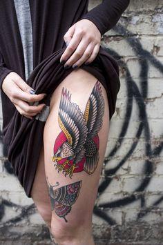 Eagle Tattoo Designs and Ideas Tattoo Old School, Old School Tattoo Designs, Forearm Tattoo Design, Skull Tattoo Design, Tribal Tattoo Designs, Life Tattoos, Body Art Tattoos, Chest Piece Tattoos, Chest Tattoo